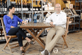 Mineralwasser zum Wein